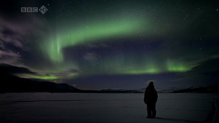 Joanna_Lumley_Northern_Lights